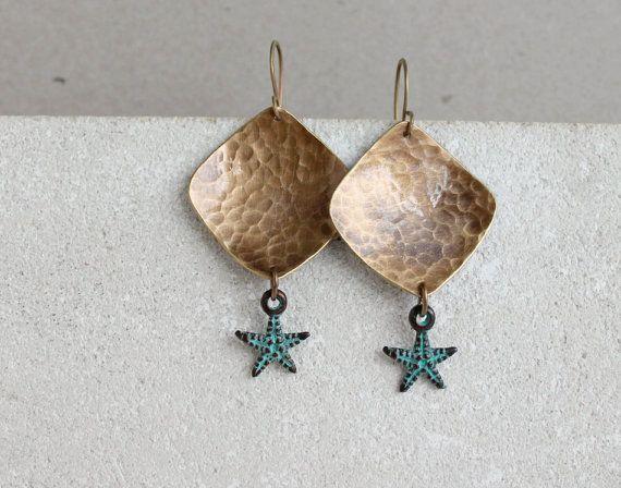 Seastar earrings gold bronze & green patina by PetiteFraise #starfish #summer #jewelry #seaside #beach #handmade #sea #creatures #etsy #brass #boho #chic #ethnic