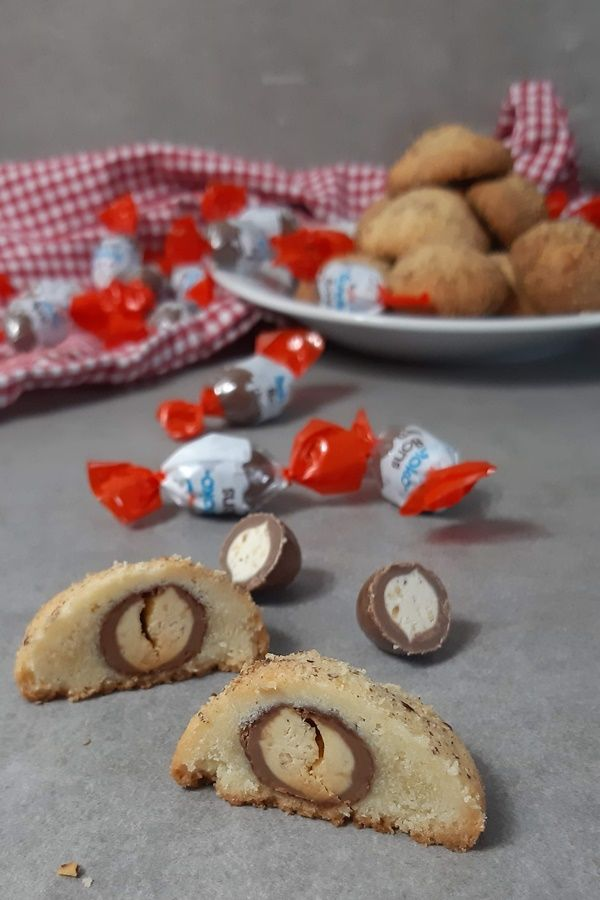 Kinder Schokobons im Plätzchenteig - Backen mit Schokobons #kuchenkekse