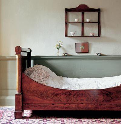 Best Dulux Heritage Range Calming Victorian Style Bedroom With 640 x 480