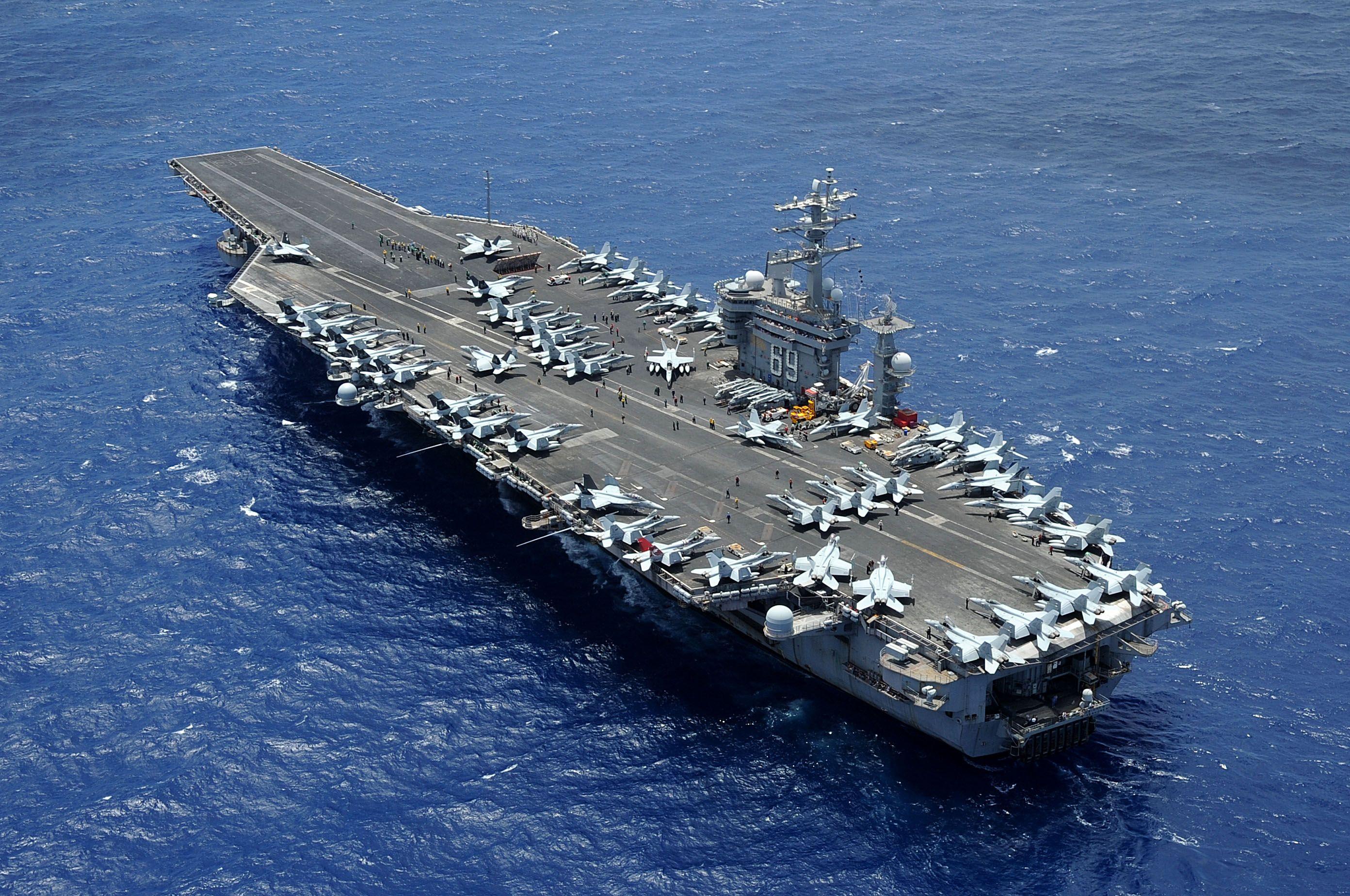 Aircraft carrier uss dwight d eisenhower cvn 69 http for Porte 7th sea