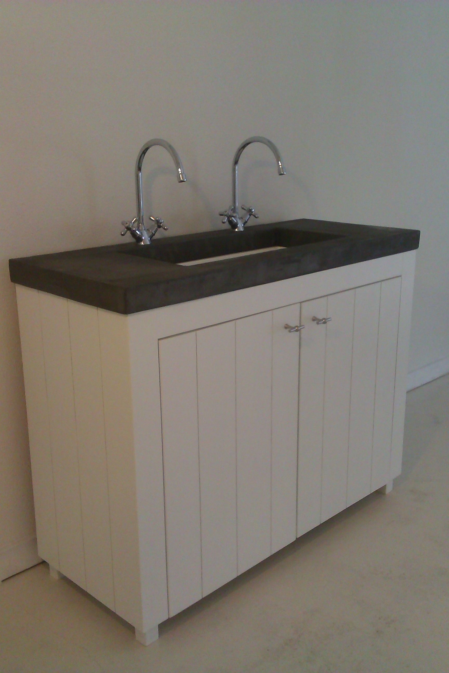 landelijk badkamermeubel by wood4 bathroom badkamermeubels van