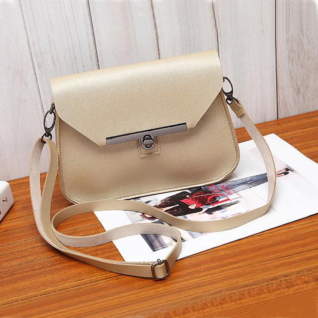 f86ef5cdaed5 Item Type  Handbags Style  Casual Lining Material  Polyester Exterior  Silt  Pocket Gender  Women Shape  Flap Decoration  Lock Model Number  BM0425  Pattern ...