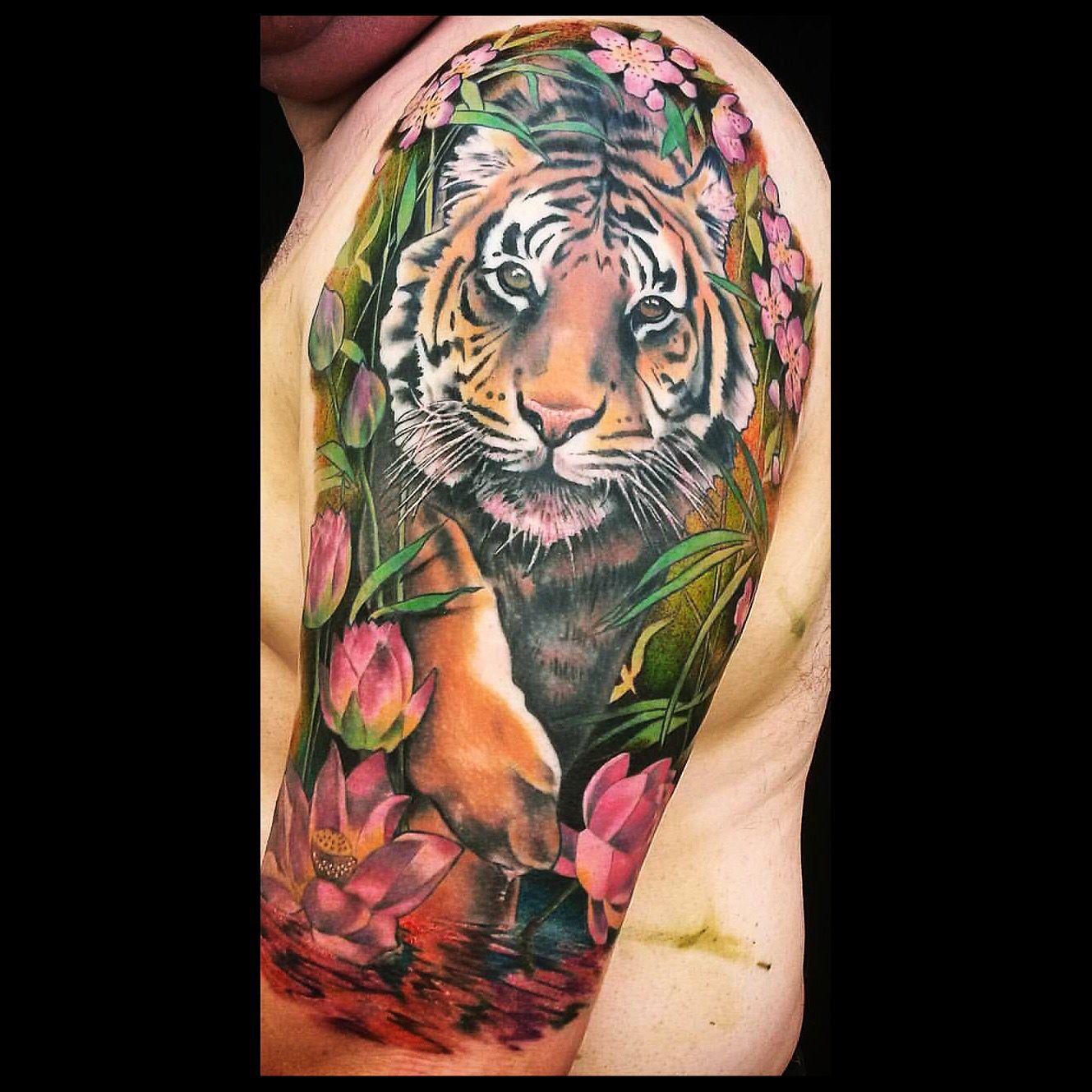 tiger tattoo tiger tattoos pinterest tattoo ideen. Black Bedroom Furniture Sets. Home Design Ideas