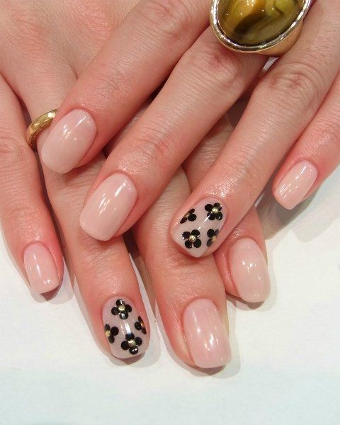 Easy Fall Nail Decoration: Chic And Easy Fall 2012 Nail Art Designs