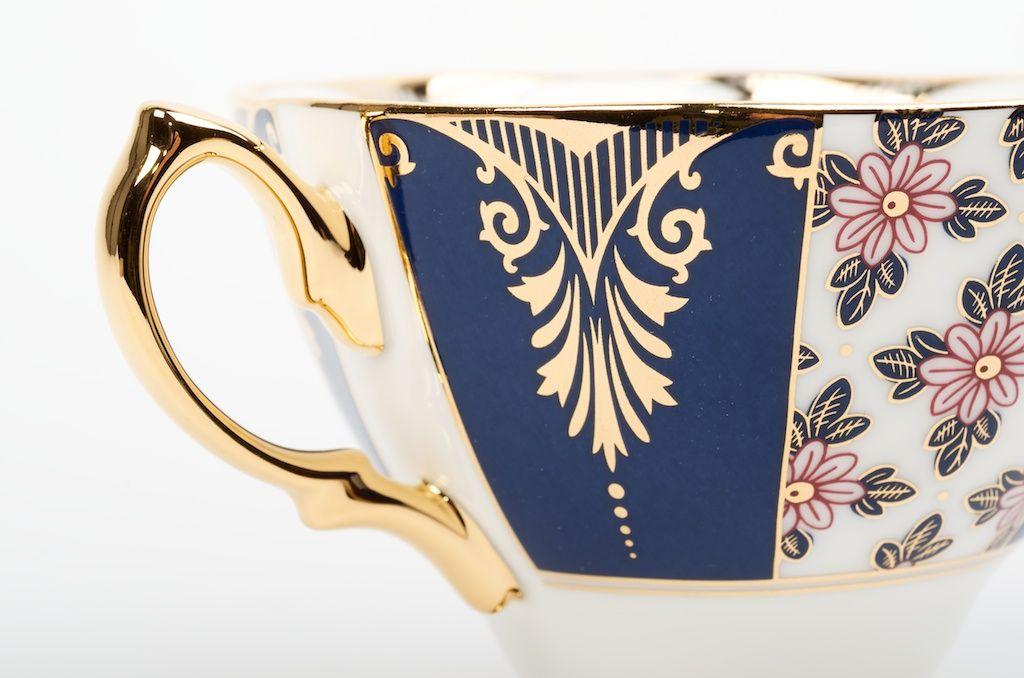 """Tasse de style anglais de la collection centenaire de Royal Albert """"Regency Blue"""" http://camellia-sinensis.com/fr/tasse-royal-albert-regency-blue"""