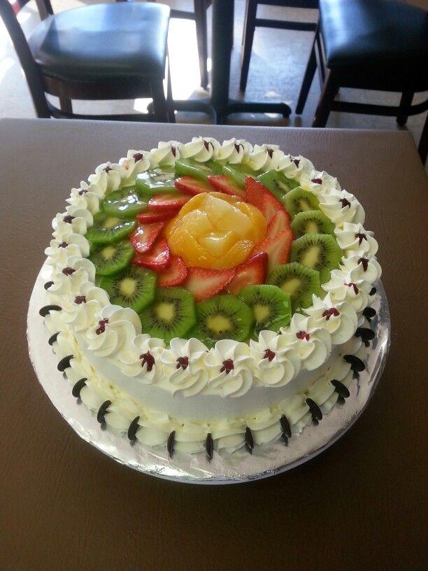 Torta de frutas frescas  I love bake!!!! Torta decorada con frutas, Pasteles e Tortas