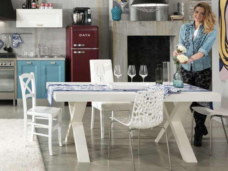Mercatone Uno catalogo 2017 Ikea, Tavolo, Tavolo consolle