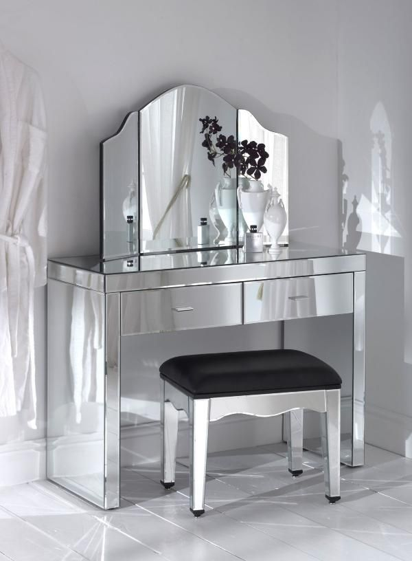Adding Shine With Mirrored Furniture Dressing Table Furniture Design Mirrored Furniture Mirrored Dressing Table Set