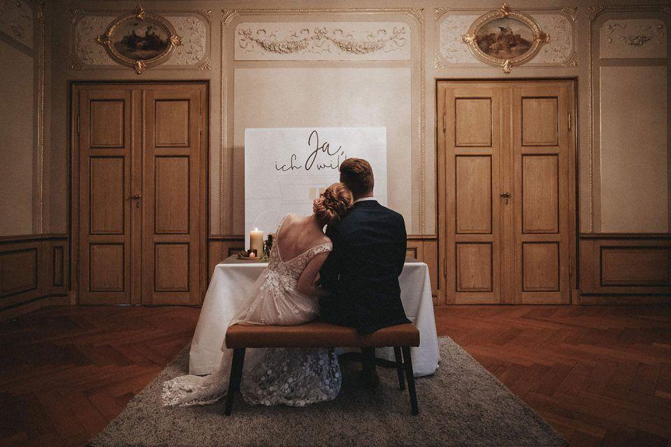Standesamtliche Trauung In Der Villa Buchner In Pfungstadt Heiraten Hochzeitsfoto Idee Standesamtliche Trauung