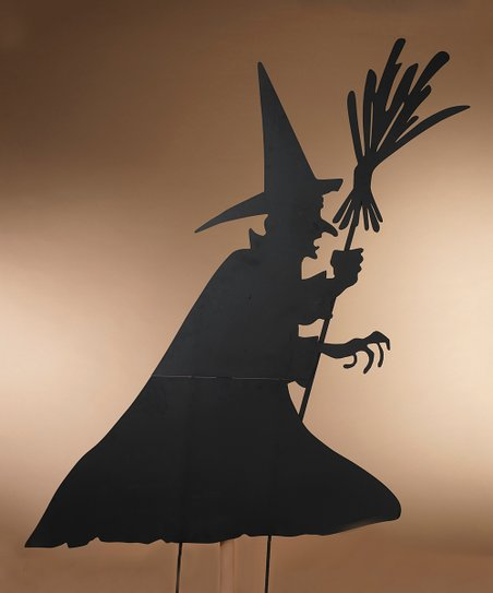 Add A Terrifying Touch To Your Front Lawn With This Witch