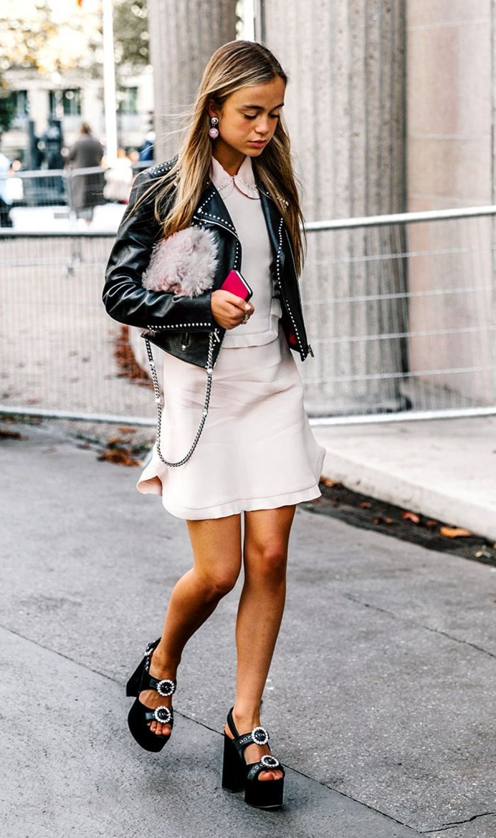 a0cbe6187b0 25 Stunning Knee Length Outfit Ideas To Try - Instaloverz