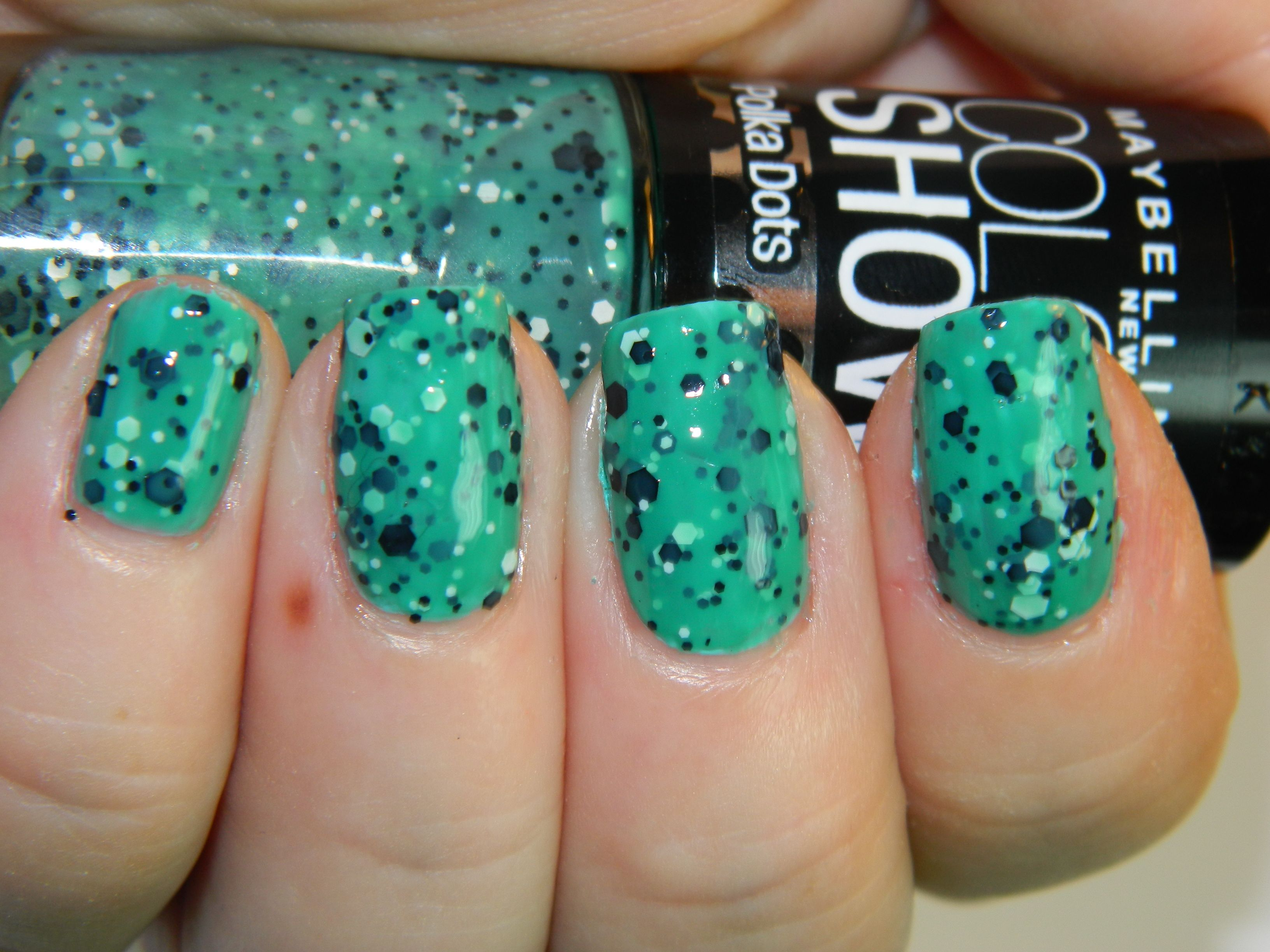 Maybelline Color Show Polka Dots Collection in \