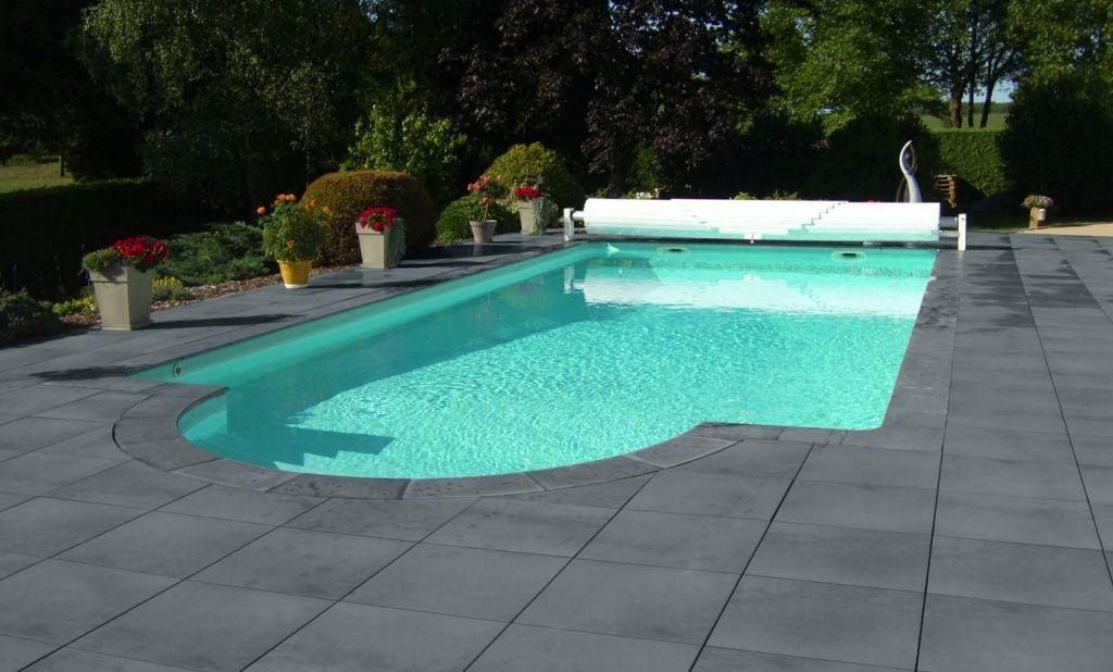 roc de france pierre reconstituee ambiance dallage margelle piscine dallage vendee gris. Black Bedroom Furniture Sets. Home Design Ideas