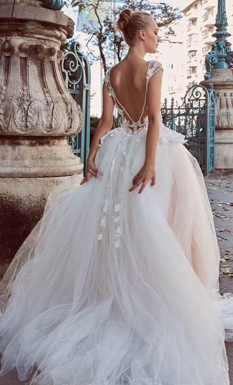 Miriams Bride 2018 Wedding Dresses Will Make You Say Aw