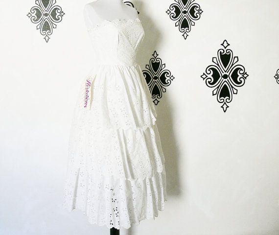 Vintage 80s does 50s White Eyelet Lace Ruffled by PopFizzVintage