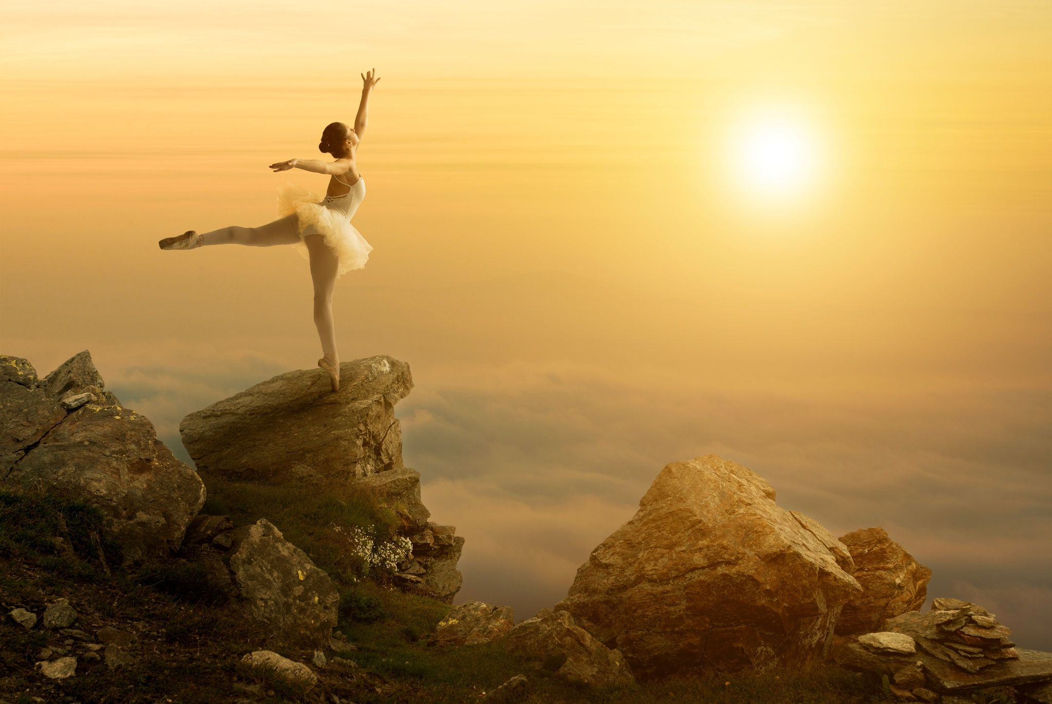 Mystic pictures, ballet dancer stands on the cliff edge - Mystic pictures, ballet dancer stands on the cliff edge