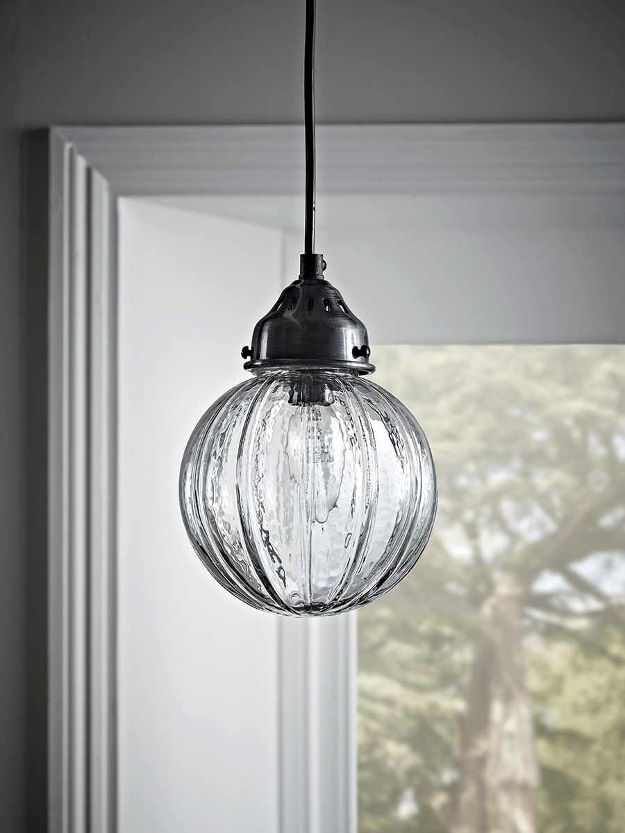 FLUTED GLASS DESIGN PENDANT FITTING FINISHED WITH CLEAR GLASS AND BRONZE COLOUR