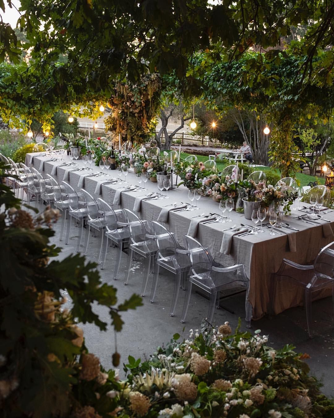 Oak Arbor Reception: In Love With This Photo Of The @capelily Botanical Journey