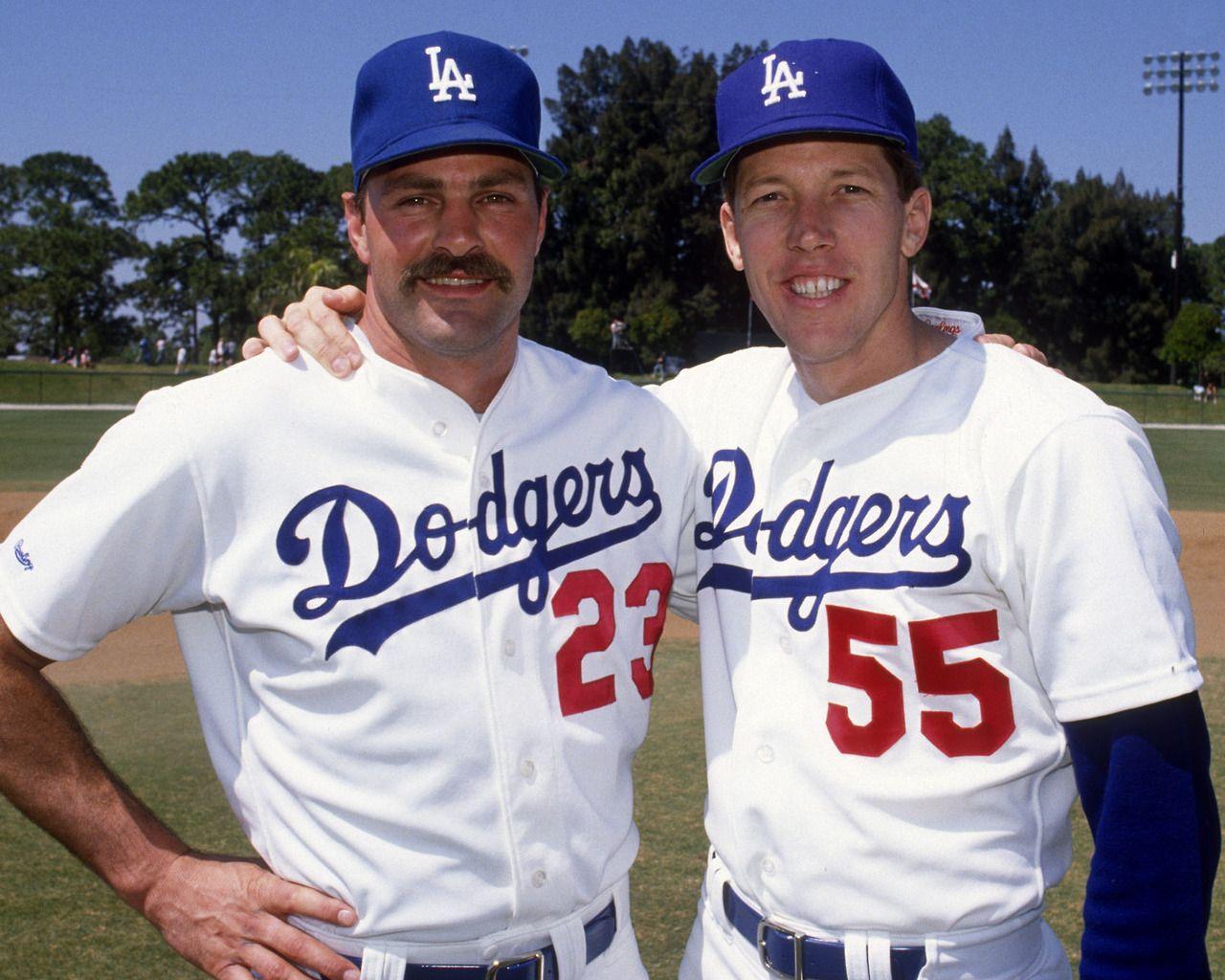 Kirk Gibson And Orel Hershiser Pose During Spring Training At Dodgertown In Vero Beach Florida 1989 Dodgers Baseball Orel Hershiser Dodgers