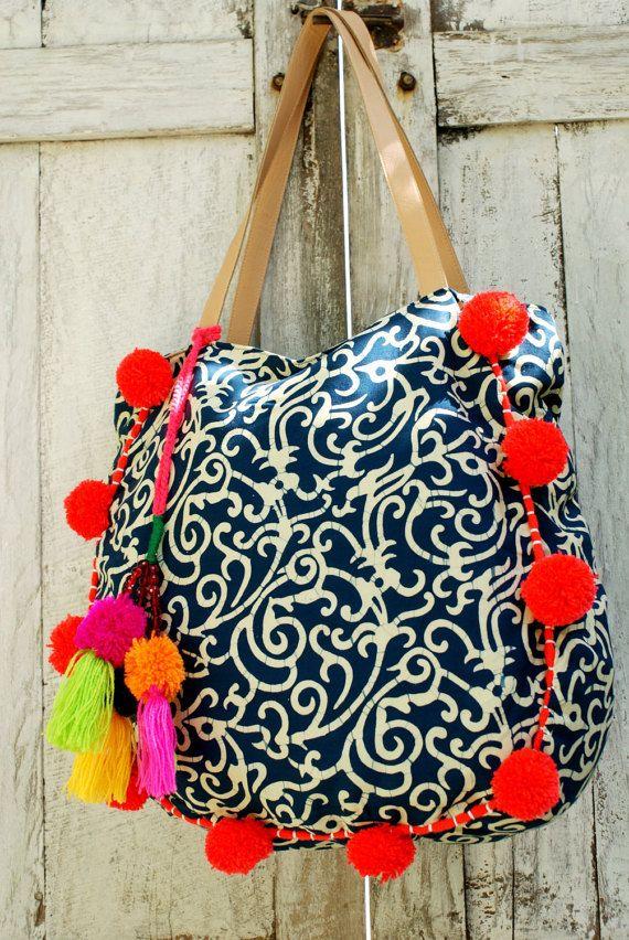 Pom Pom beach bag/Tassels beach bag/Boho Bags/Yoga Bag / Weekend bags * FLORIPA BAG
