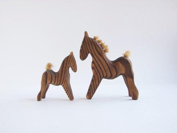 Swedish wooden HORSES NILS STRANDIN//  Mediados por tiendanordica