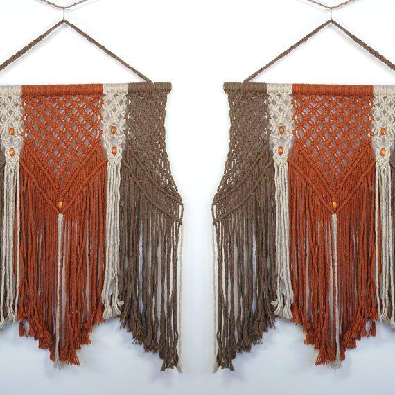 HUGE Macrame Wall Hanging / Textile Art por SPUNKvtg en Etsy