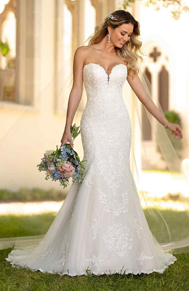 Stella York 6716 Fit Flare Wedding Dress Price 1399 With Images Fitted Wedding Dress Fit And Flare Wedding Dress Stella York Wedding Dress