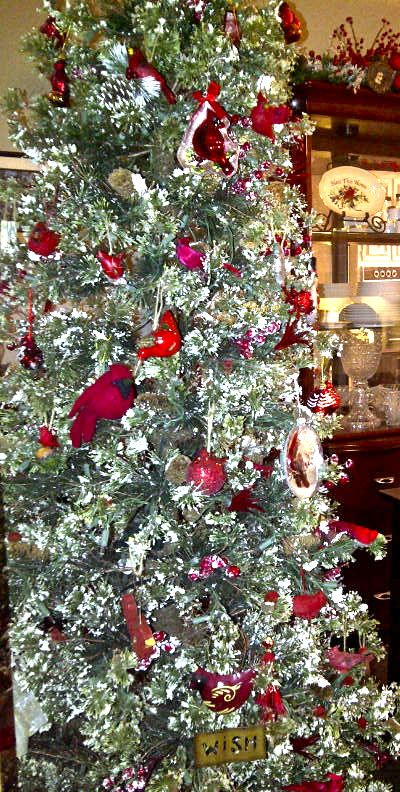 Kitchen Cardinal Tree This Snow Tipped Tree With Pinecones Berries Was The Perfect Tr White Christmas Tree With Red Farmhouse Christmas Christmas Cardinals