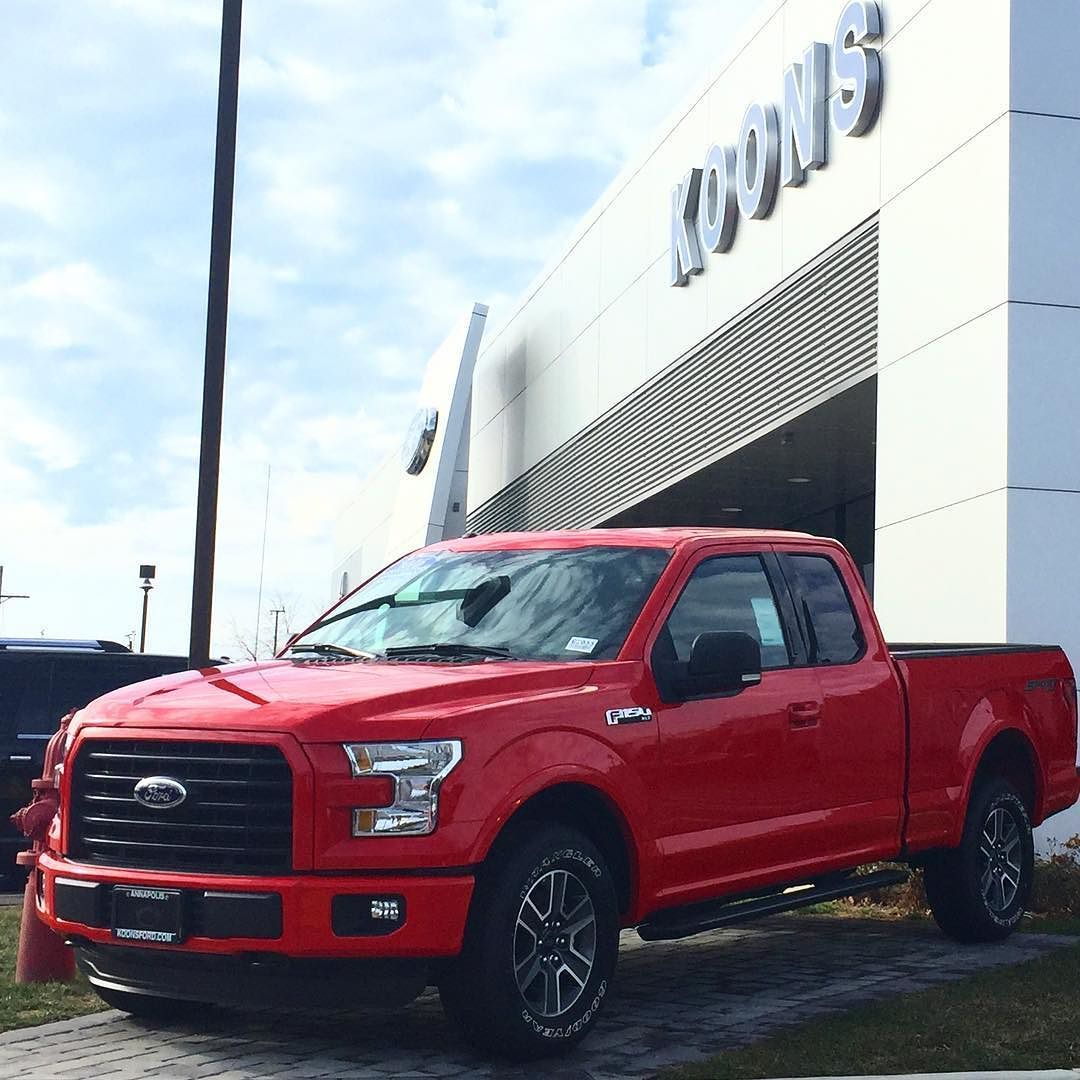 No compromise. This 2016 Ford F150 XLT 4x4 XLT with the