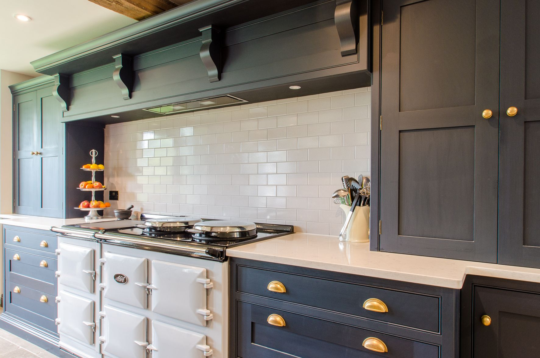 Farrow And Ball Railings Dark Kitchen Made In Kent Aga Brass Hardware Quartz Worktop Aga Kitchen Kitchen Trends Kitchen