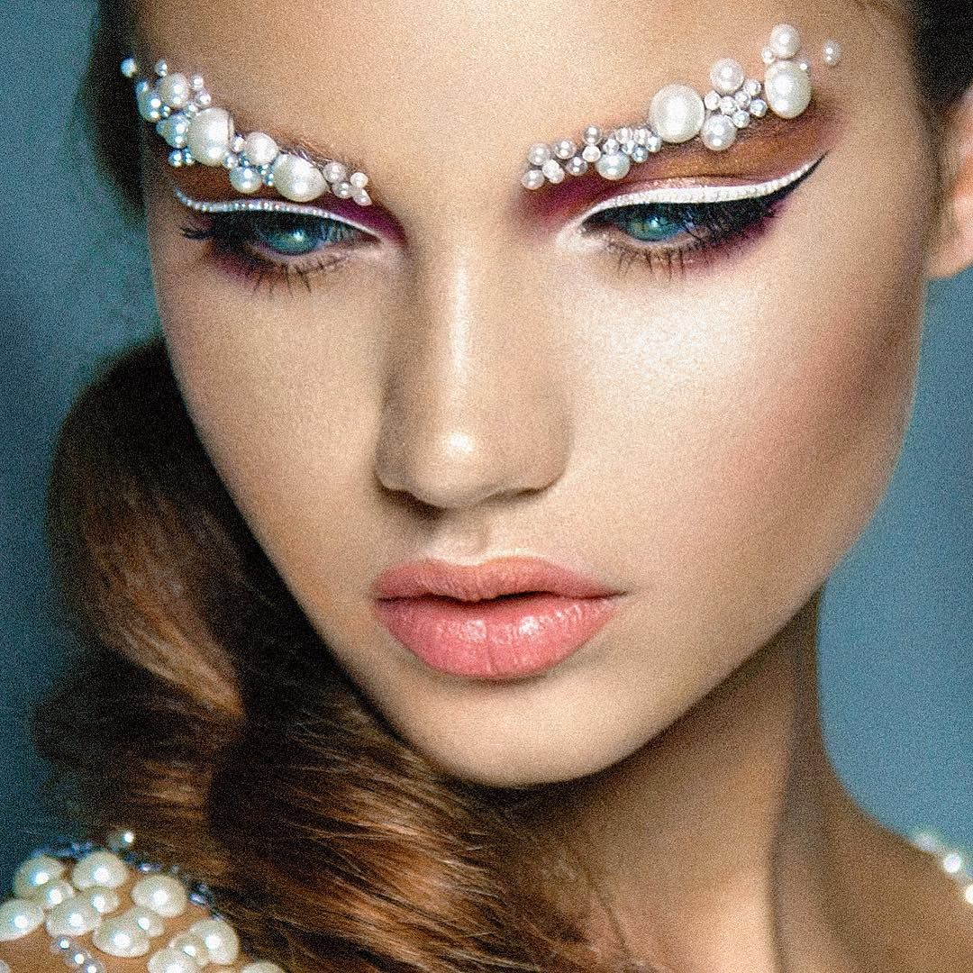 Makeup Snow Queen: options for applying makeup and photos 12