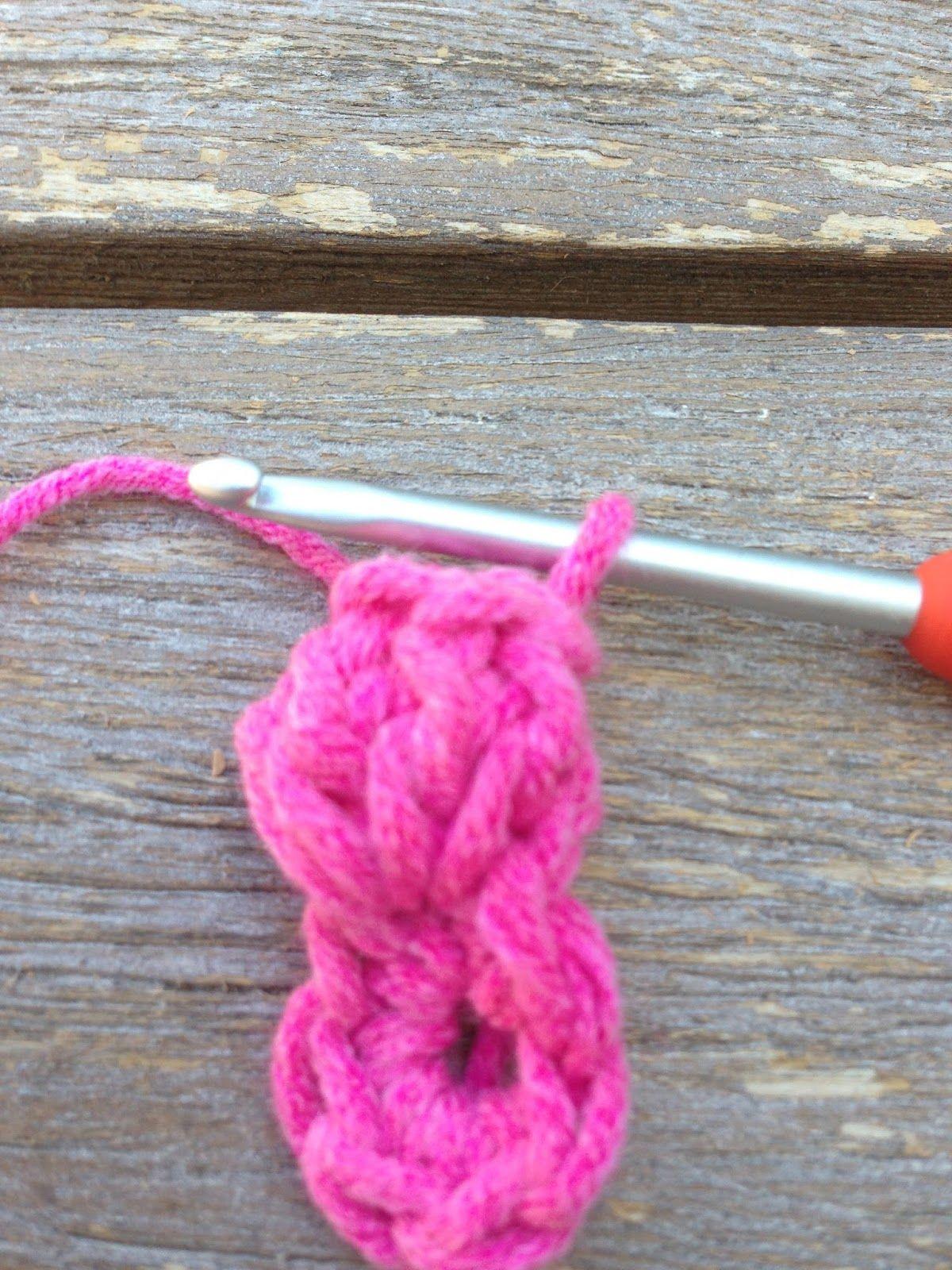 Annoo's Crochet World: Little Lady Booties Free Pattern