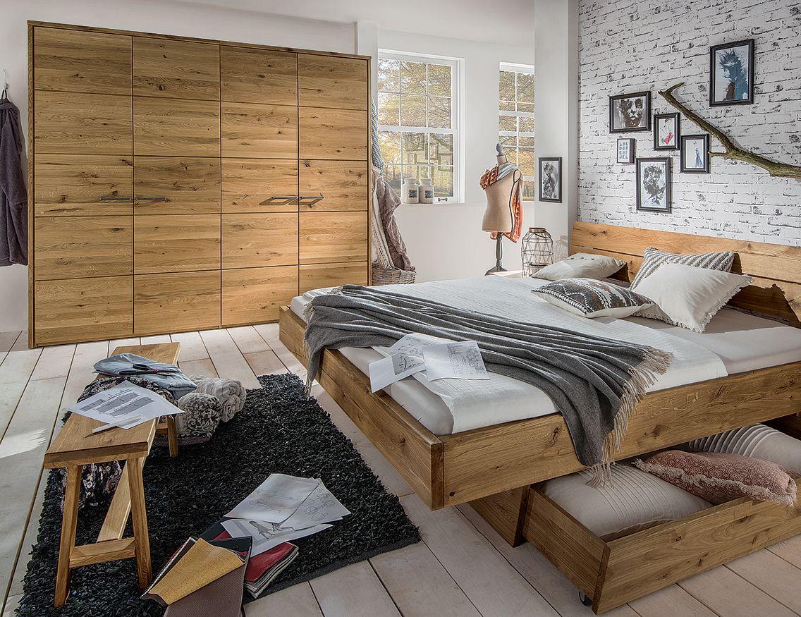viel stauraum hinter lebendigen fronten die perfekte beschreibung f r den dreht ren. Black Bedroom Furniture Sets. Home Design Ideas