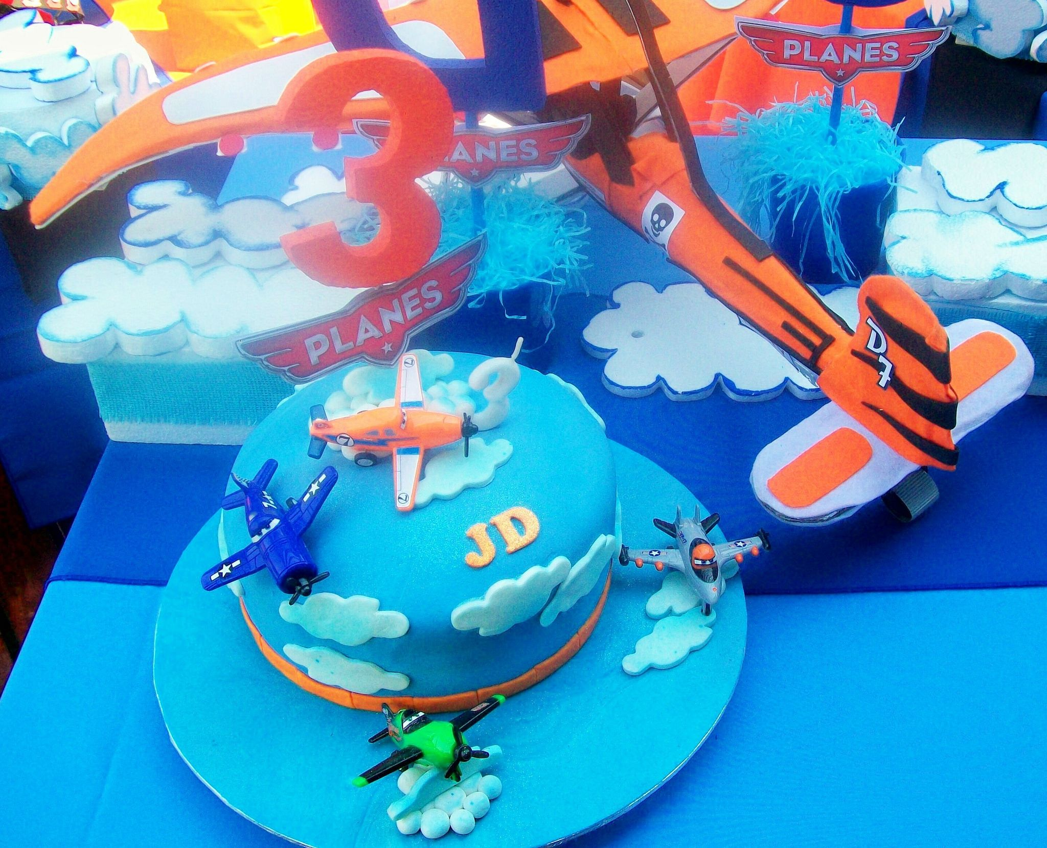 "https://flic.kr/p/zoPP1c | ""JD's Dusty and his friends Planes Cake"""