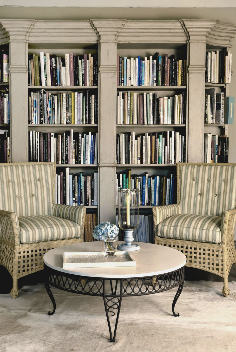 Living Room Library Design Ideas: 45 Examples That Prove Your Books Deserve Attention