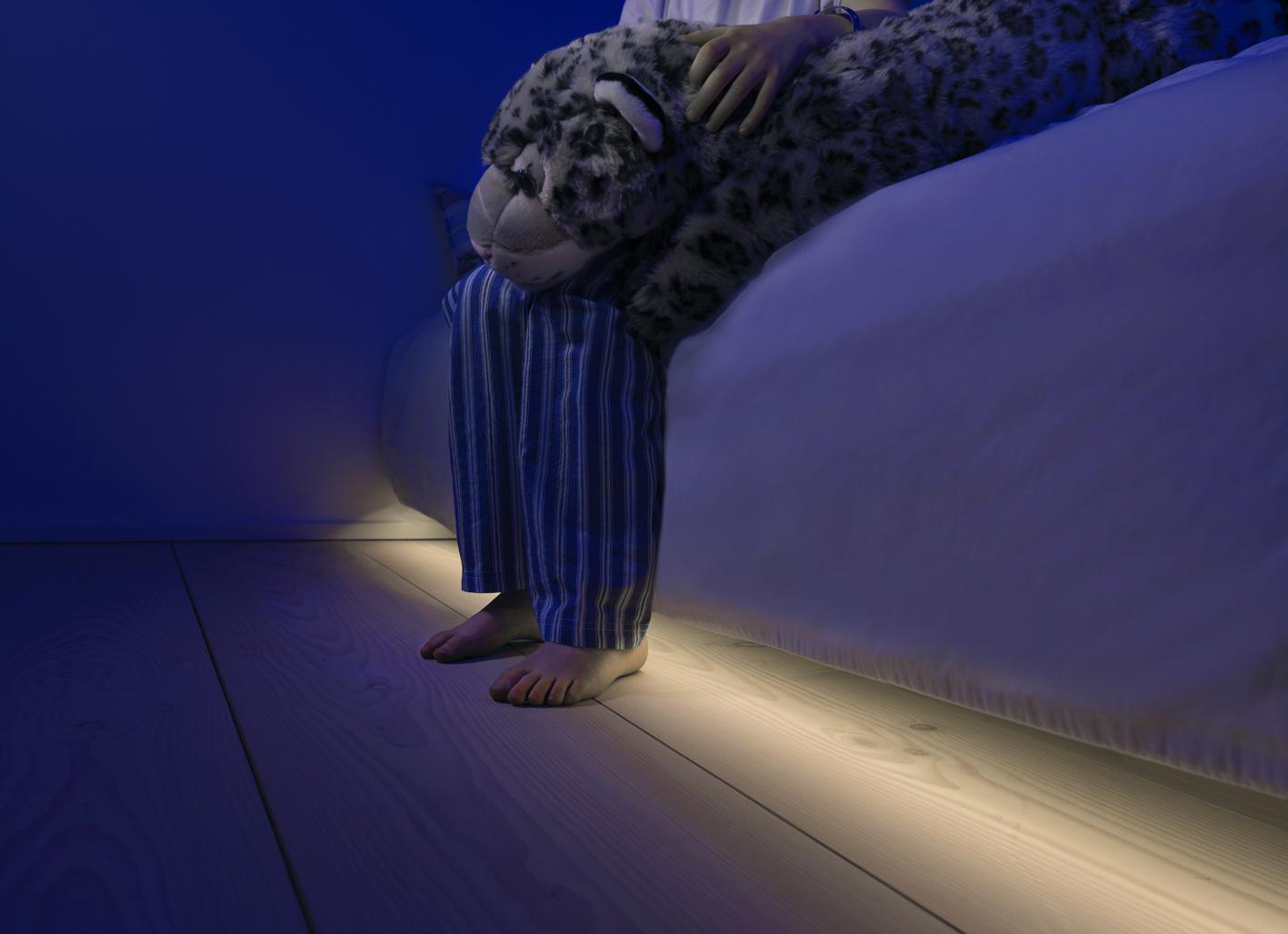 Automatische LED verlichting voor onder je bed. Super makkelijk zelf ...