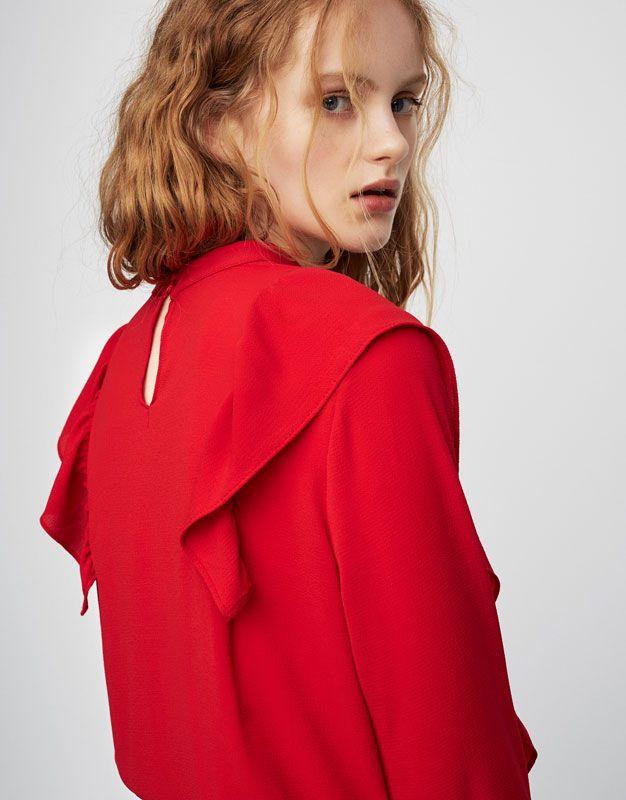 pull bear femme v tements blouses et chemises top volants rouge 05471344 v2017. Black Bedroom Furniture Sets. Home Design Ideas
