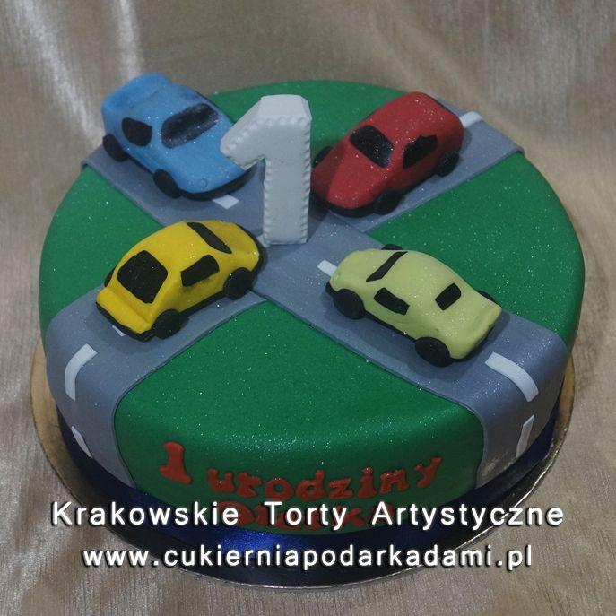 cf23cf11db1de5 Zielony tort z samochodzikami na roczek. Cake for 1st birthday with small  cars