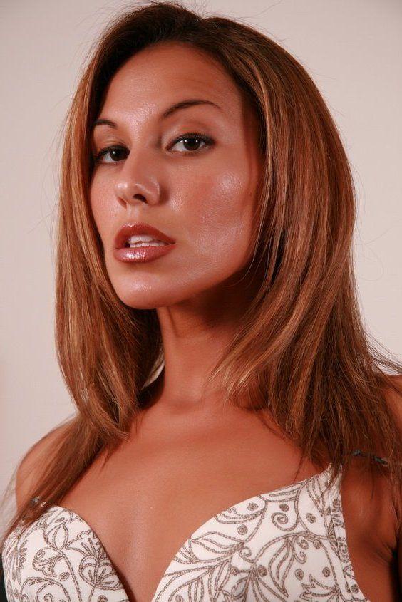 Adriana Deville pic 76