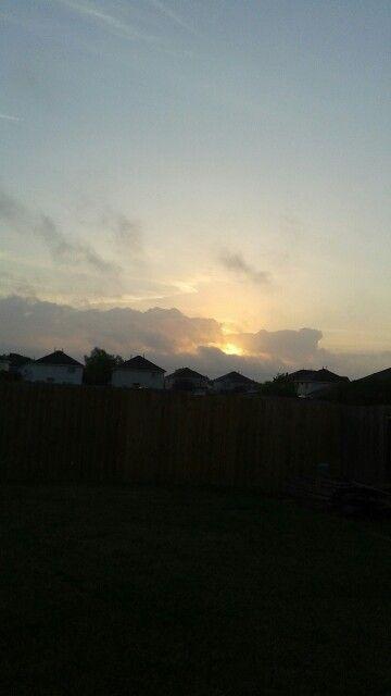 7:50 AM  dia nublado
