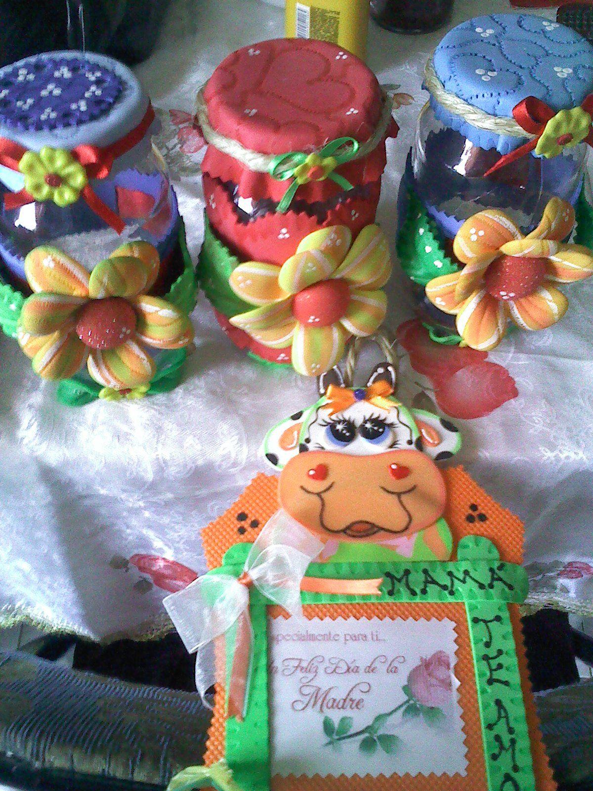 Envases reciclados decorados para el Dia de las madres