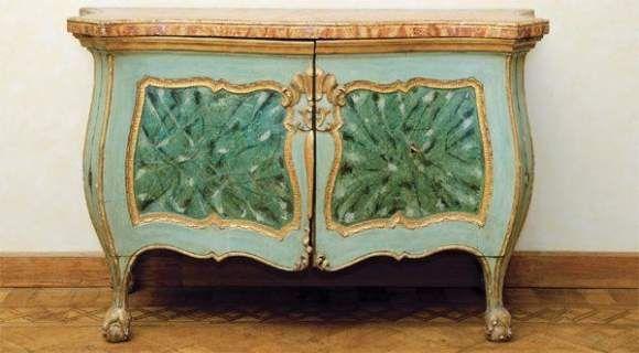 Commode à pans Bois peint Italie, XVIIIe siècle Work Projects