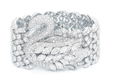 Swan diamond jewelry