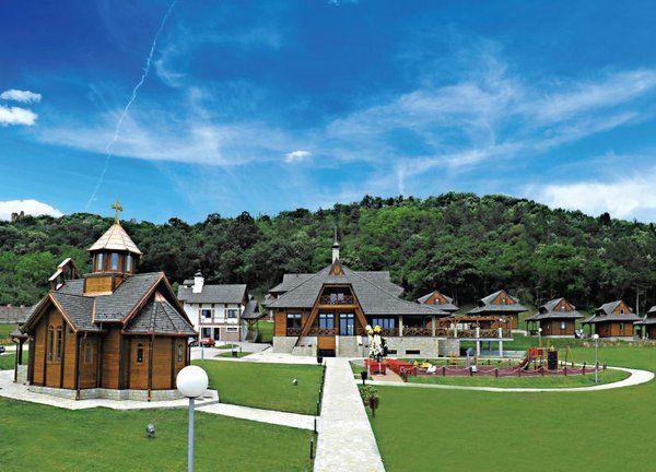 Visiting #NoviSad #Vojvodina be sure to visit air spa #Vrdnik & Ethno village #VrdnickaKula http://srbijatop10.com/hotel-premier-aqua-etno-naselje-vrdnicka-kula/ …