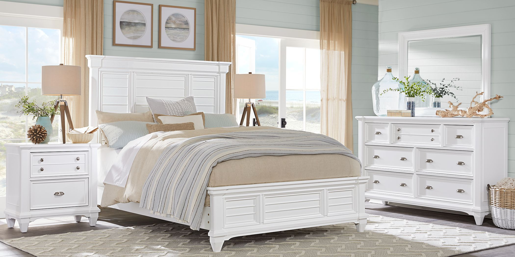 Hilton Head White 3 Pc King Panel Bed Rooms To Go In 2020 Bedroom Panel King Size Bedroom Furniture Sets Queen Sized Bedroom
