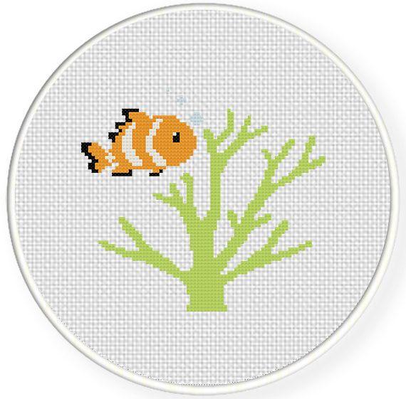 Charts Club Members Only: Clown Fish Cross Stitch Pattern   Etamin ...