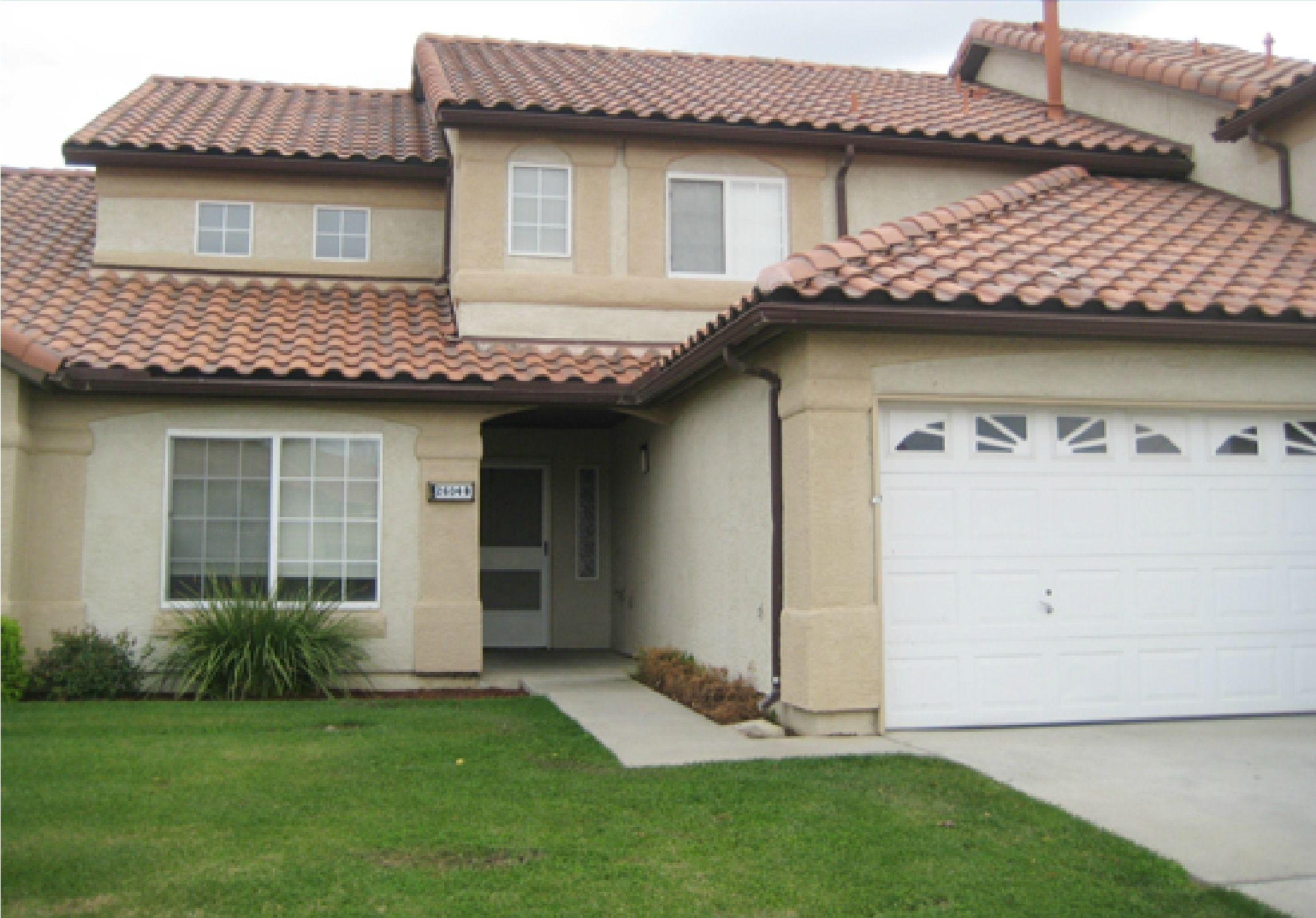NAS Lemoore Coral Sea Park Neighborhood 2 4 bedroom duplex