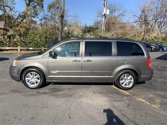 2010 Chrysler Town Country Touring In 2020 Touring Electronic