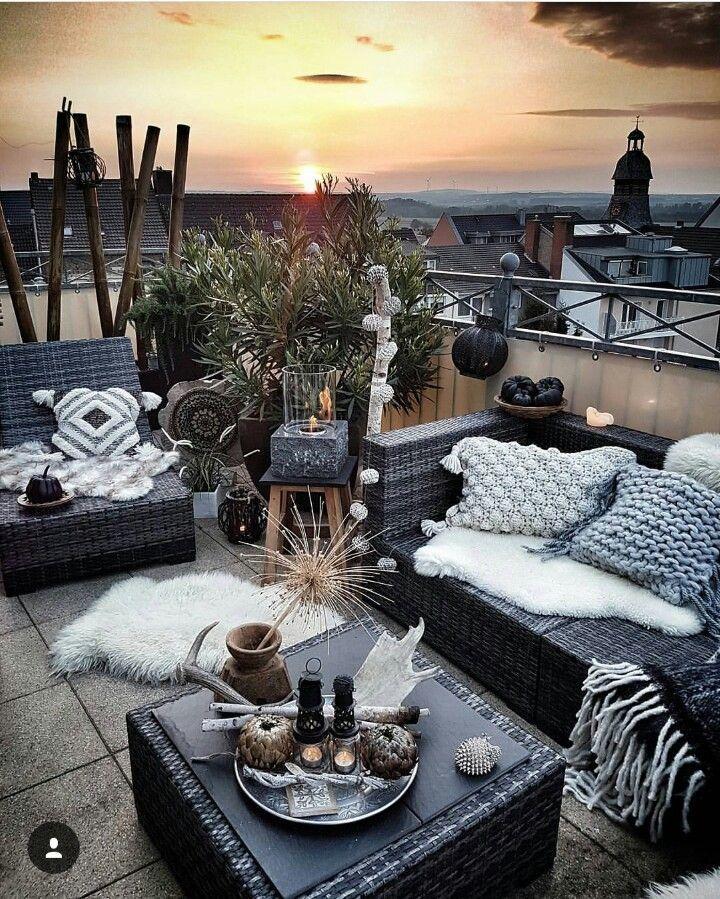 Wicker garden sets can also be used very well on your beautiful balcony  - Balkon Deko Ideen -