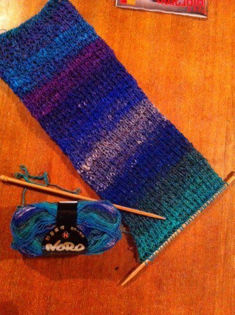 Écharpe en cours, point de sable, qualité Noro laine soie de Françoise. T&C | Tricot, Echarpe ...